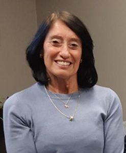 foto de secretária célia sorrindo