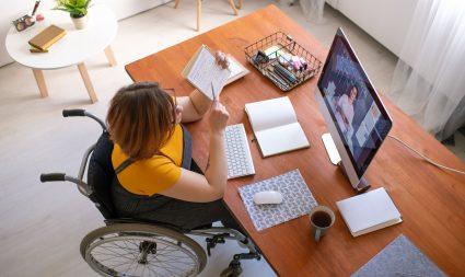 Secretaria abre inscrições para curso de Assistente Administrativo às pessoas com deficiência da capital